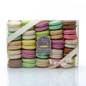 Box of 25 fresh Lucy Borie handmade macaroons 500g